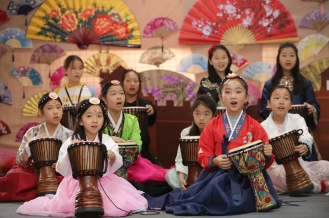 杭州惠灵顿举办首场国际日活动